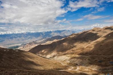 Way to Khardungla Pass